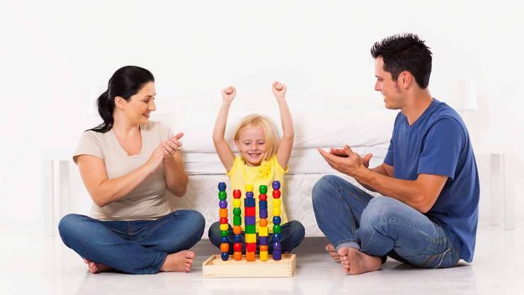 Die Eltern loben ihr Mädchen