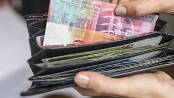 Bis 2019 will die Regierung ein Loch von 1,8 Milliarden Franken stopfen. (Symbolbild)