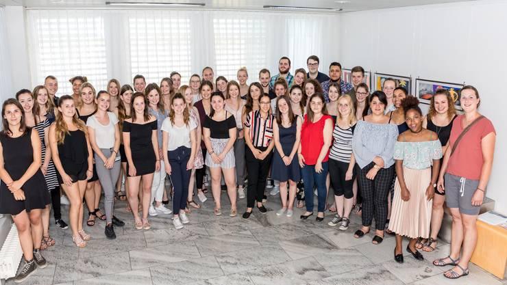 Schlichte Feier am Kantonsspital Olten: Die Lernenden der Solothurner Spitäler AG, die ihre Ausbildung abgeschlossen haben.