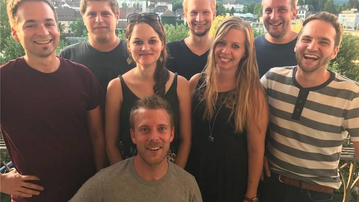 Das Organisationskomitee (v. l.): Chrigu Stuber, Patrick Juchli, Kathrin Stuber, Stefan Wigger, Stephanie Walker, Samuel Eichenberger, Matthias Stuber und Raffael Steiner (vorne).