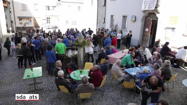 Bondo feiert Rückkehr der Bewohner ins Dorfzentrum