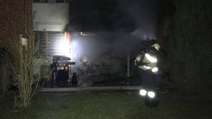 Die Feuerwehr habe den Brand schnell unter Kontrolle bringen können.