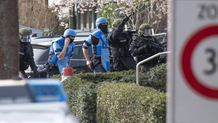 Polizei-Grosseinsatz Bottmingen