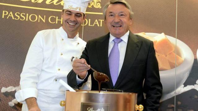 Kann sich freuen: Lindt&Sprüngli-Chef Ernst Tanner (rechts)