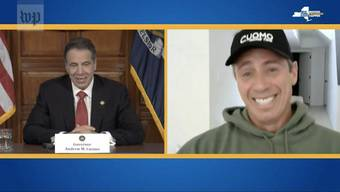 Scherzen am TV miteinander: New Yorks Gouverneur Andrew Cuomo (links) und sein Bruder, CNN-Moderator Chris Cuomo, der sich mit dem Coronavirus infizierte.