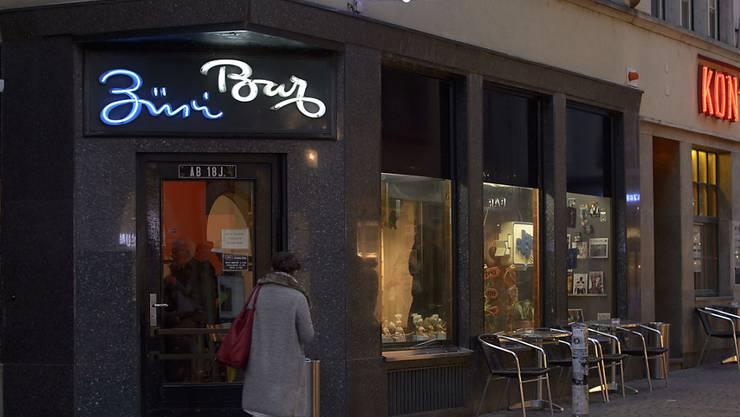 """Die """"Züri-Bar"""" und das """"Kon-Tiki"""" wurden Ende 2015 geschlossen. Am Samstag drangen über 30 Personen in die Lokale ein. (Archiv)"""