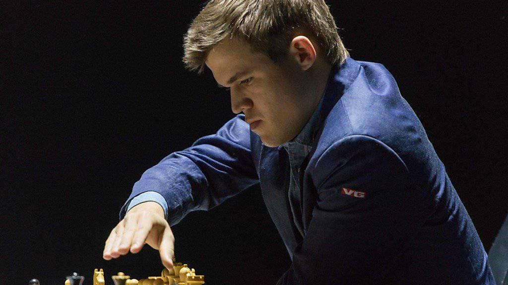 Magnus Carlsen findet in der zehnten Partie endlich die richtigen Züge zum Sieg