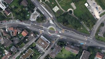 Der Unfall ereignete sich im Kreisel bei der Baslerstrasse.