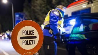 Polizeieinsatz: Bei Yverdon-les-Bains VD ist am Montag ein lebloser Körper gefunden worden. (Themenbild)