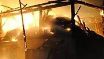 In Walterswil ist ein Bauernhaus ein Raub der Flammen geworden. (Symbolbild)