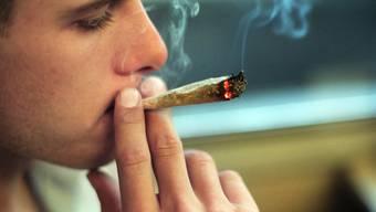 Cannabiskonsum wird im Kanton Aargau unterschiedlich stark verfolgt. (Symbolbild)