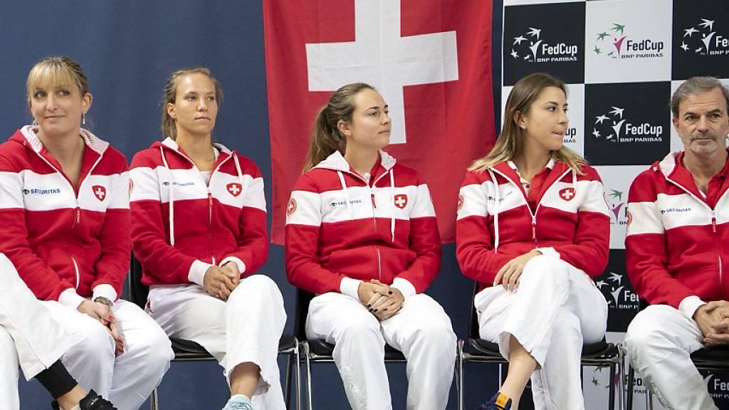 Das Schweizer Fed-Cup-Team bei der Auslosung am Freitag