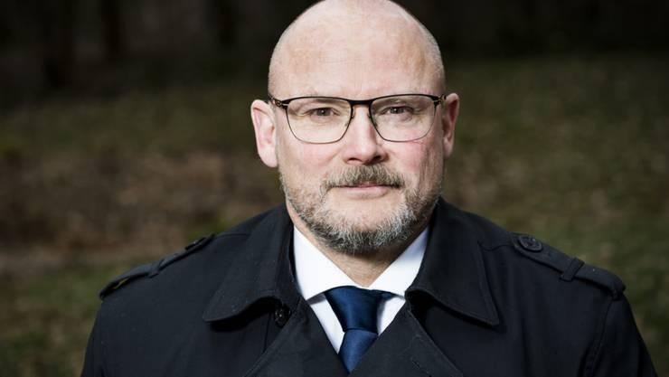 Der Neuenburger SVP-Politiker Yvan Perrin musste bei der Staatsanwaltschaft Neuenburg antraben. Eine muslimische Vereinigung hatte gegen den Ex-Nationalrat wegen eines Facebook-Posts Strafanzeige eingereicht. (Archivbild)