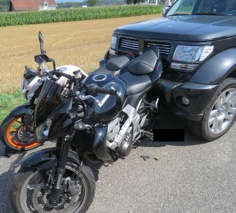 Es entstand ein Sachschaden von 30'000 Franken – die Motorräder sind total demoliert.