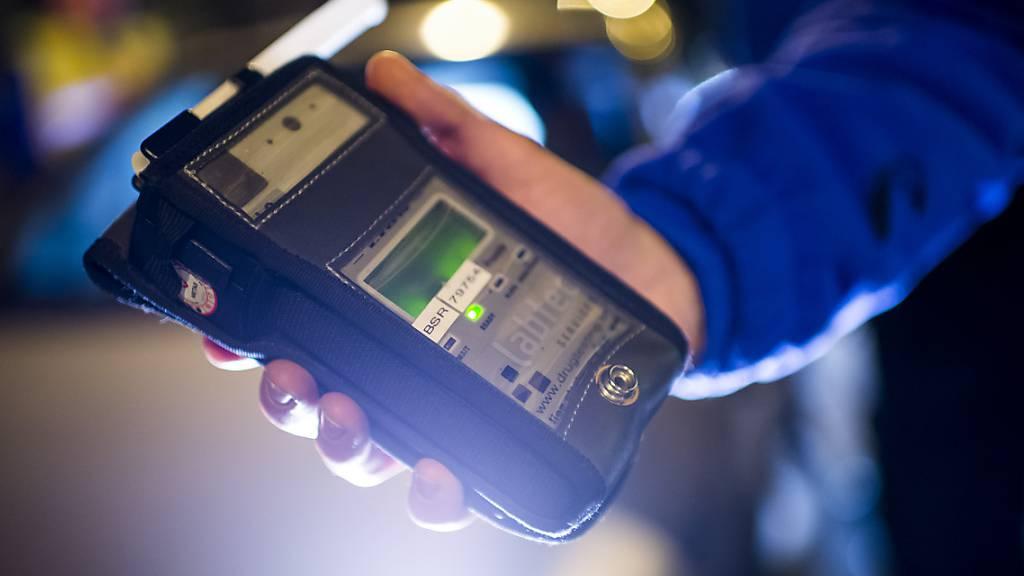 Knapp 2 Promille Alkohol intus: Luzerner Polizei stoppt Autofahrer
