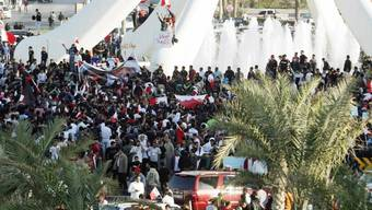 Demonstranten auf dem zentralen Platz in Manama