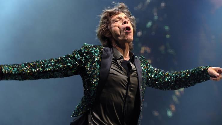 Mick Jagger muss sich nach der Absage mehrerer Konzerte nunmehr einer Herzoperation am Freitag unterziehen. (Archivbild)