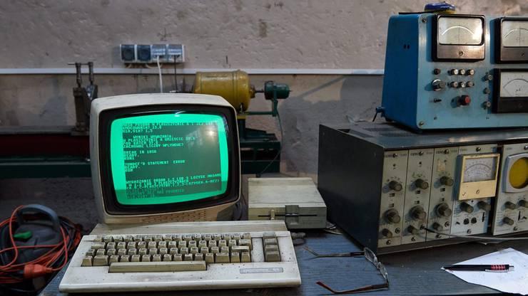 1982: Der Commodore 64 ist bis heute der meistverkaufte Heimcomputer weltweit. Er war vergleichsweise erschwinglich und leistungsstark zugleich, auch mit nur 64 KB Arbeitsspeicher.