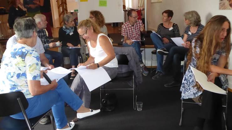 Die Teilnehmenden diskutieren über Integration