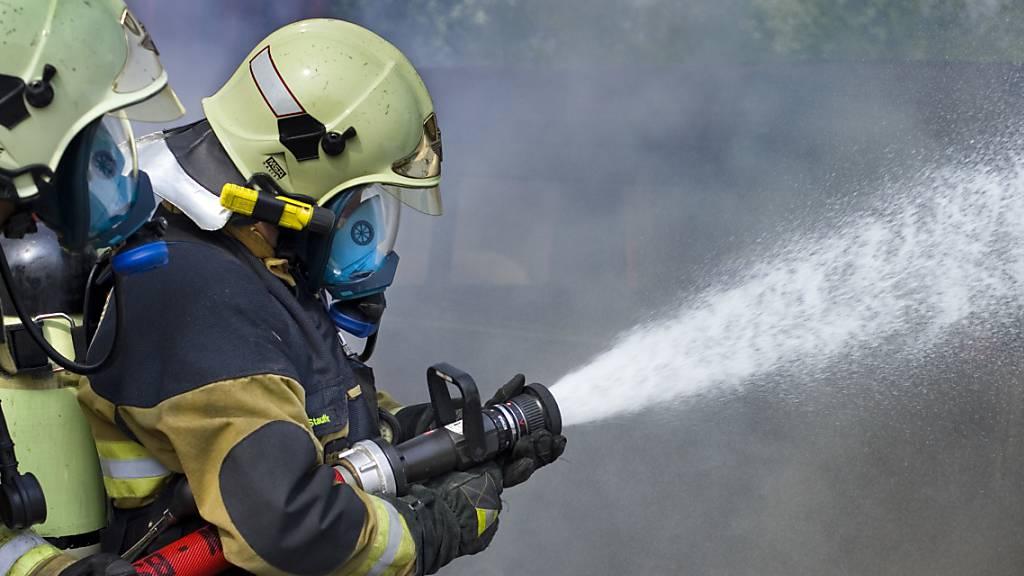 Mobilheim in Industriegebiet bei Bellinzona wird Raub der Flammen