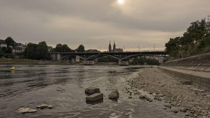 Damit der Rhein wieder mehr Wasser führt, braucht es wesentlich mehr Regen.
