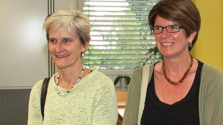 Im Schulzimmer: Heidi Ammon von der SVP (links) und Rosi Magon von der SP haben bei der Sanierung des Bezirksschulhauses zusammengearbeitet. mhu