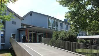 Haus 9, die «Klinik für Kinder und Jugendliche», wird erst abgerissen, wenn der Betrieb im Neubau angelaufen ist.