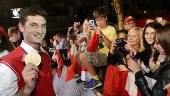 Goldreiter Steve Guerdat trifft im House of Switzerland ein