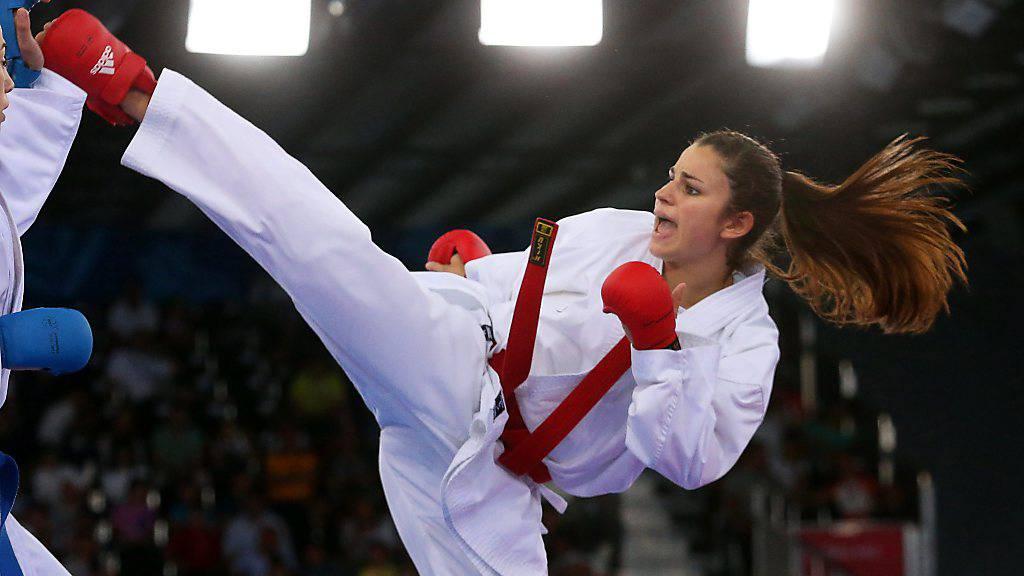 Elena Quirici (rechts) kann ihr Zweikampf-Training trotz Corona-Pandemie fortsetzen
