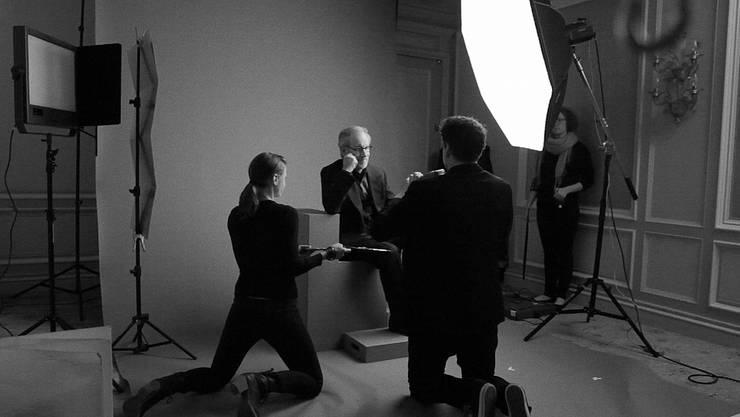 In seinem Element: Der Oltner Starfotograf Marco Grob porträtiert den bekannten Regisseur Steven Spielberg.