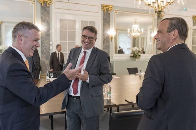Für die AHV-Reform will CVP-Präsident Pfister (rechts) diesmal mit FDP und SVP zusammenspannen. Im Bild links der neue SVP-Präsident Marco Chiesa, in der Mitte SP-Präsident Levrat.