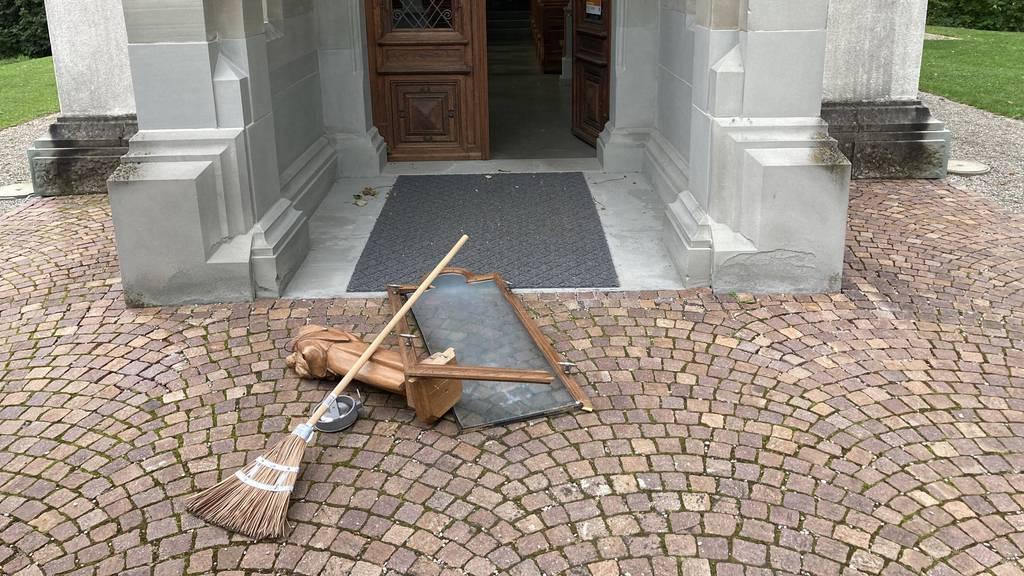 Vandalen wüten in Kapelle
