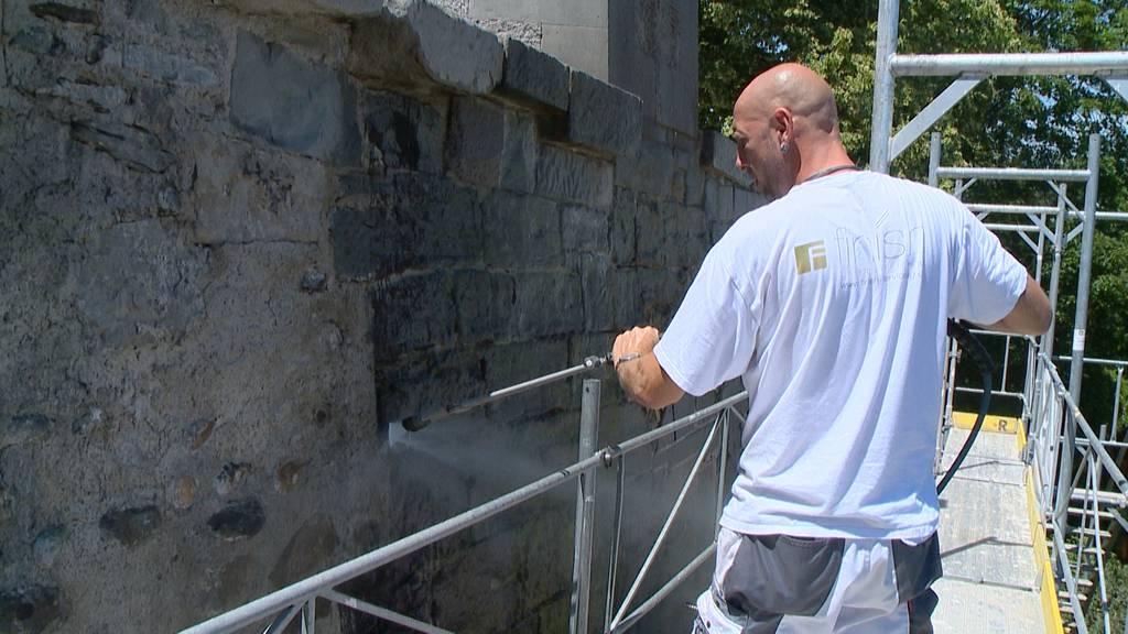 Aufwändige Graffiti-Entfernung im Lindenhof