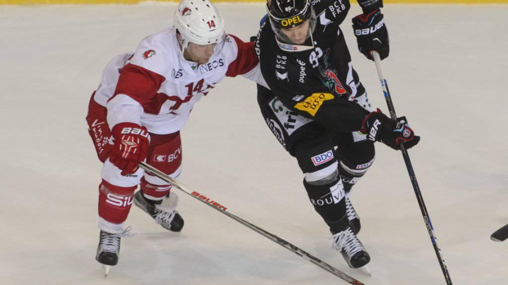 Julien Sprunger (rechts) ist noch für drei Spiele von Gottéron gesperrt
