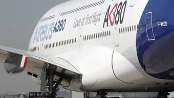 Die Nachfrage nach dem weltgrössten Passagierjet A380 ist nicht so gross. Deshalb stellt Airbus dessen Produktion ein. (Archiv)