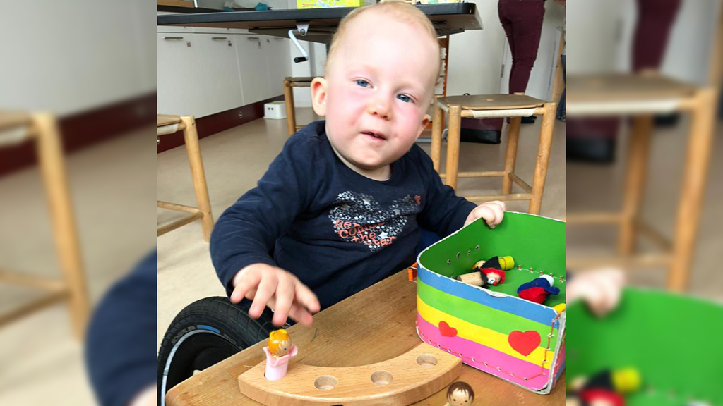 Baby Lea kann sich dank teuerstem Medikament wieder bewegen