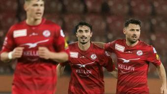 Winterthurs Luca Radice, Mitte, jubelt nach seinem 0:1 Tor im Challenge League Fussballspiel zwischen dem FC Zuerich und dem FC Winterthur im Letzigrund, am Samstag, 18. Maerz 2017 in Zuerich. (KEYSTONE/Ennio Leanza)