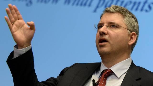 Roche-CEO Severin Schwan in Erklärungsnot