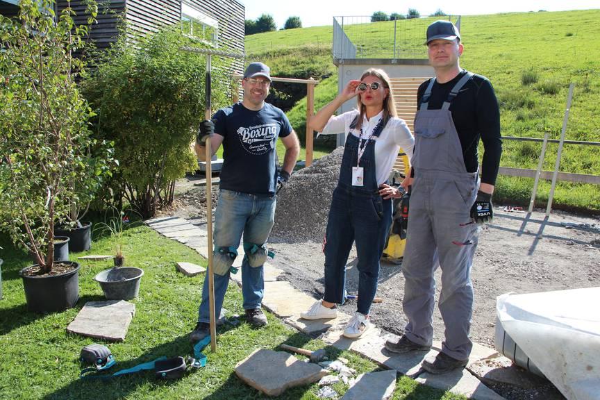Karianne Christensen (Mitte) hat ihr Team im Griff. (Bild: FM1Today/Laurien Gschwend)