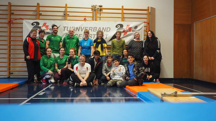 Unterstützer und Kampfrichter aus den Turnvereinen