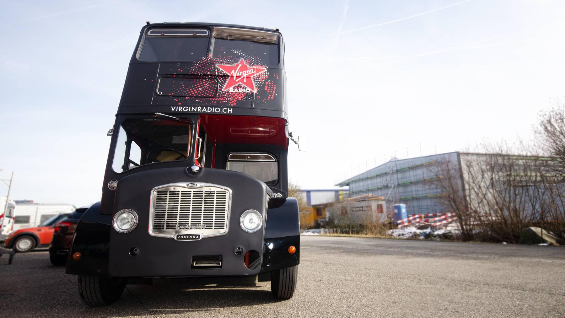 Virgin Radio Londonbus von vorne