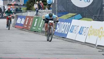 Nathalie Schneitter bei ihrem Zielsprint in Albstadt.