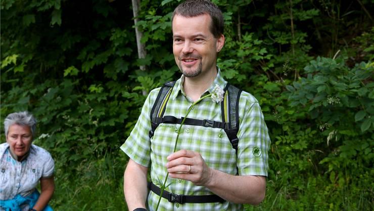 Selbst ein Profi wie Ruedi Löffel entdeckt immer mal wieder neue Heilpflanzen. zvg
