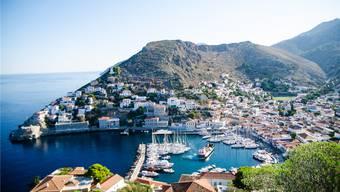 Der neue Roman des Reiseschriftstellers Lawrence Osborne spielt auf der griechischen Insel Hydra. Shutterstock