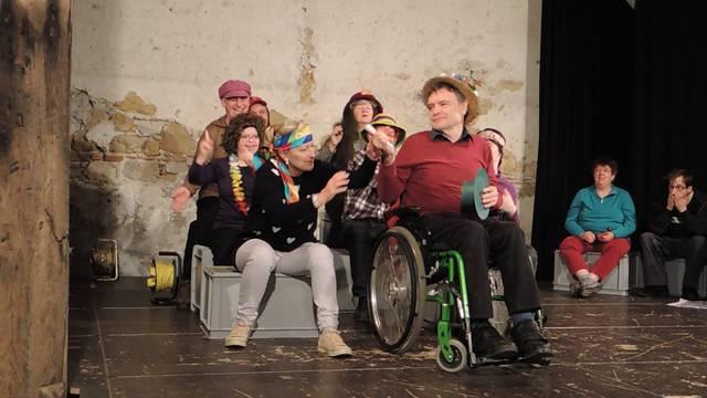 Impressionen von den Proben der insieme-Theatergruppe Brugg-Windisch