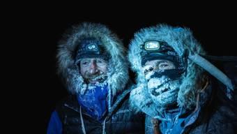 Mike Horn (r) und Børge Ousland haben ihre Expedition unter schwierigen Bedingungen am Sonntag gegen 01.00 Uhr früh abgeschlossen.