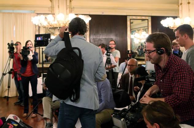 Geri Müller tritt an der Medienkonferenz auf.
