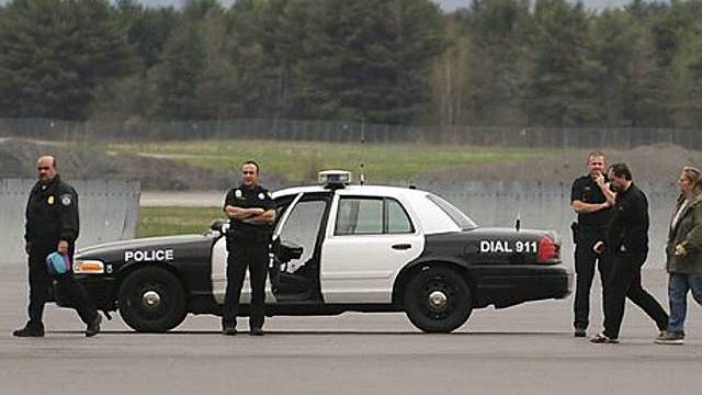Grosses Polizeiaufgebot wegen Flugzeug-Randalierer