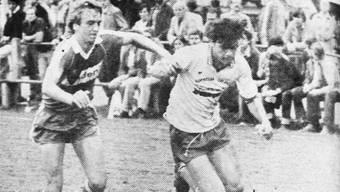 «Der junge Dietiker Bolliger (rechts) verriet vor allen Dingen Einsatzwillen», war 1981 zu diesem Bild von der Cup-Partie gegen St. Gallen in der «LIZ» zu lesen.