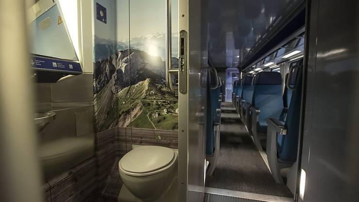 """Für die Reinigung der Toiletten soll das Personal auch künftig eine """"Schmutzzulage"""" erhalten. Darauf haben sich die Gewerkschaft des Verkehrspersonals und die SBB geeinigt. (Archivbild)"""